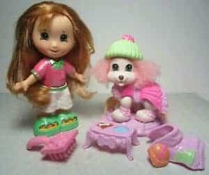 juguetes de plástico coloreados